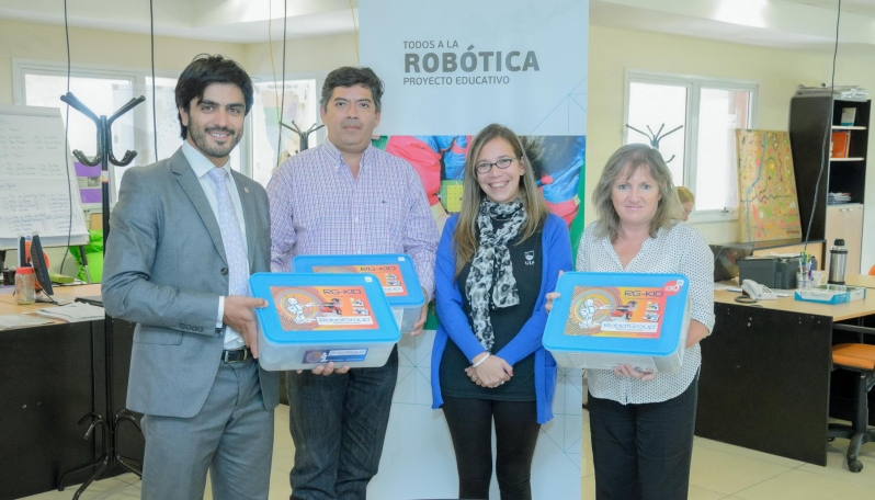 """La ULP entregó nuevos kits de robótica a la escuela de educación especial """"Ricardo Gutiérrez"""""""