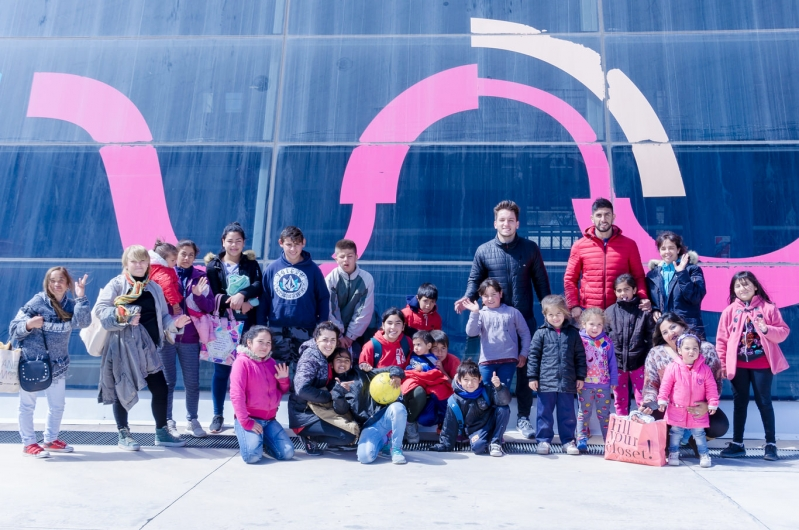 Niños del Barrio 1° de Mayo visitaron la Universidad de La Punta