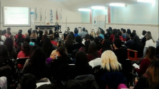Cientos de personas reflexionaron sobre los trastornos alimenticios y su prevención