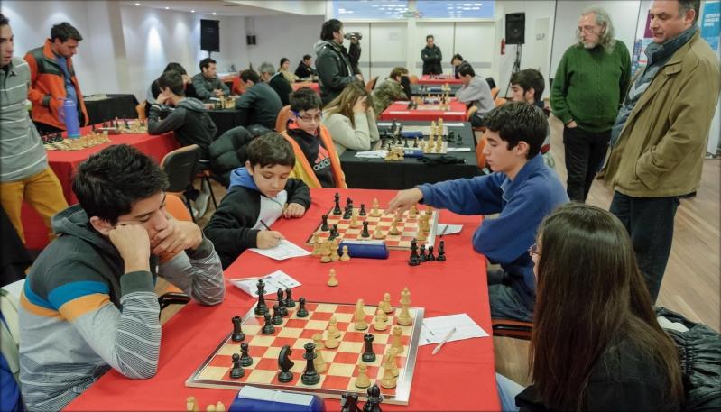 Con la presencia de ajedrecistas de toda la provincia,  se puso en marcha el Torneo Abierto ULP