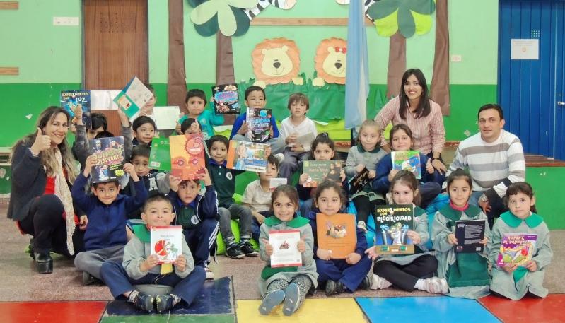 La ULP entregó más de 40 rincones de lectura  a instituciones de toda la provincia