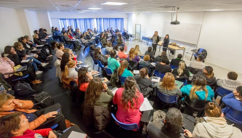 Alumnos de la carrera Licenciatura en Enfermería tuvieron su primer encuentro presencial en la ULP
