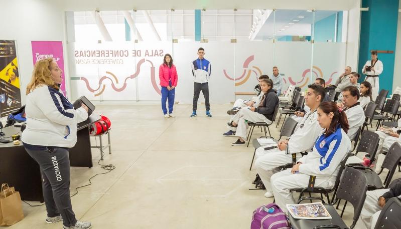 En el Campus ULP se realizó la capacitación regional de árbitros de taekwondo