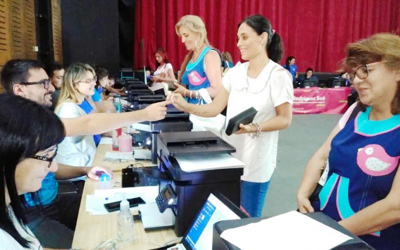 Más de 1900 docentes renovaron su firma digital