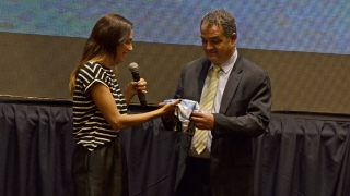 """Ante cientos de puntanos, Luciana Aymar presentó su película """"Lucha, jugando con lo imposible"""""""