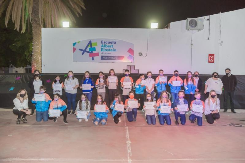 """EPD """"Albert Einstein"""": 42 alumnos de nivel primario recibieron su título"""
