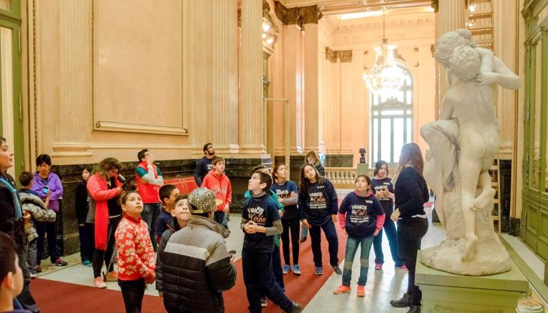 Los chicos del barrio ATE I realizaron visitas  guiadas al Teatro Colón y el Congreso de la Nación