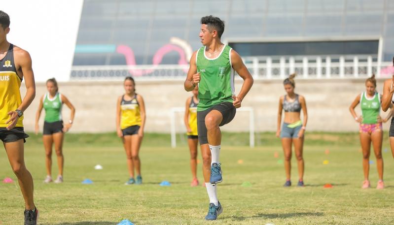 Los atletas del Club Sportivo Estudiantes realizan su pretemporada en el Campus Abierto ULP