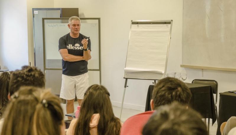 El expreparador físico de Nalbandian y Meolans disertó sobre entrenamiento en la ULP