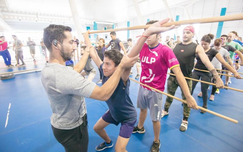 Catalán, campeón Nacional de levantamiento de pesas, capacitó en el Campus