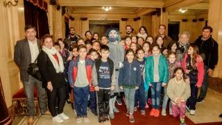 """En su segundo día en Buenos Aires, los alumnos  del barrio ATE I disfrutaron de la obra """"Pulgarcito"""""""