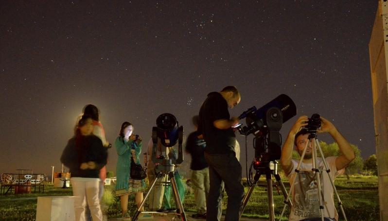 Los amantes del cielo tuvieron una nueva noche astronómica en el PALP