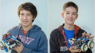 Un sueño hecho realidad: dos merlinos por primera vez en el mundial de robótica