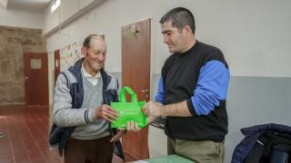 Inicia la entrega de tabletas a jubilados de Villa Mercedes y San Luis