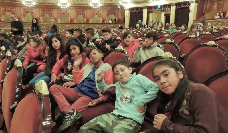 Estudiantes de escuelas de San Luis fueron espectadores de lujo en el Teatro Colón