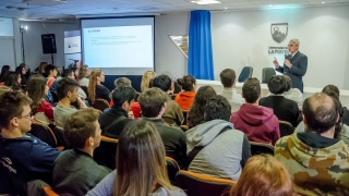 Más de 150 alumnos disfrutaron de una jornada de divulgación científica en la ULP