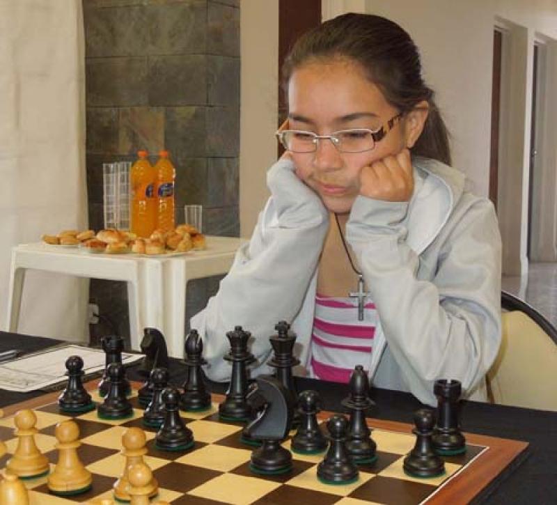 Oriana Mora, la nueva reina del ajedrez SUB 14