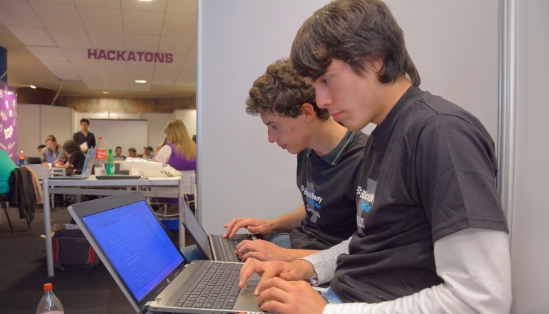 Hackathon: un desafío a la creatividad en San Luis Digital 2014