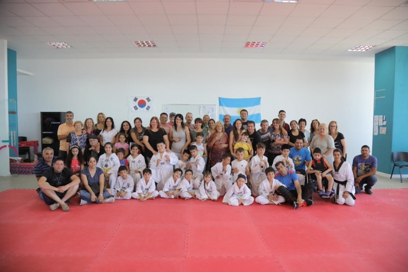 Primer examen de la escuela de taekwondo del Campus Abierto ULP