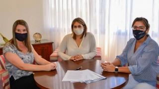 Firmaron un acuerdo para pasantías de alumnos de la ULP