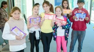 Continúa la entrega de foldscopes en Villa Mercedes