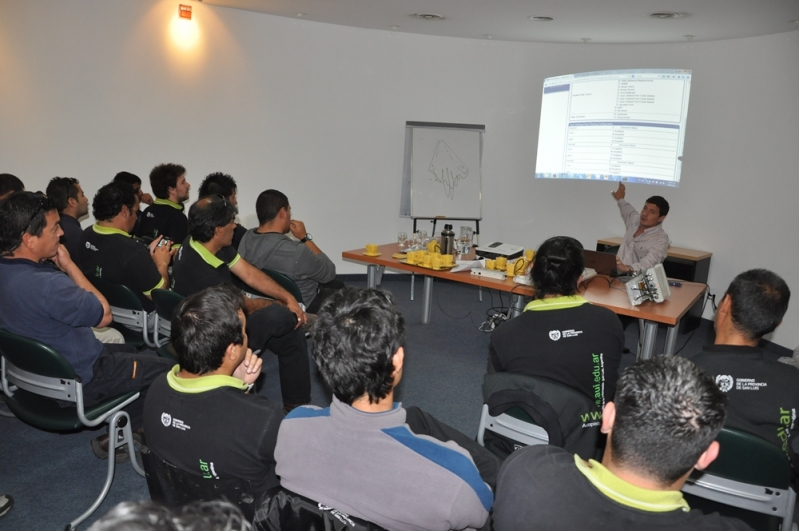 Técnicos de la AUI se formaron en el uso de nuevas tecnologías