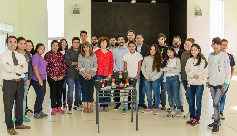"""Con alegría y entusiasmo los chicos de la EPA Nº17 """"Polo Godoy Rojo"""" recibieron kits de robótica"""