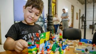 Los chicos aprendieron sobre robótica durante las vacaciones