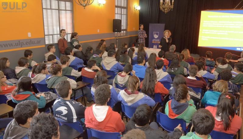 Más de 400 alumnos festejaron el Día Mundial del Turismo