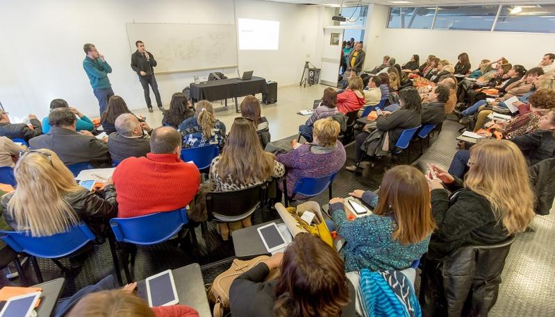 Docentes de las Escuelas de Personal Único recibieron su tableta en la ULP