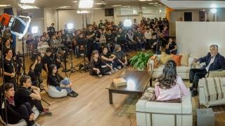 En un reportaje abierto con alumnos de la ULP, el Gobernador se refirió a las acciones humanitarias que realiza San Luis