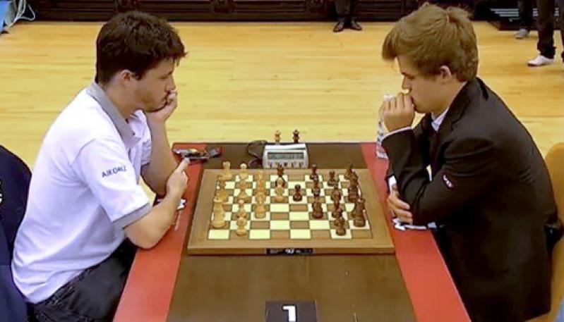 Diego Flores representa a la Argentina en el campeonato mundial de ajedrez en Qatar