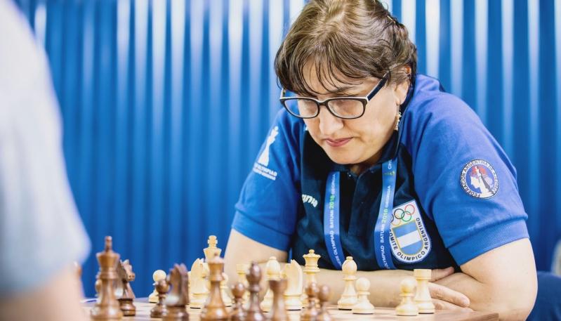 Claudia Amura arrancó con éxito las Olimpiadas de Ajedrez en Batumi