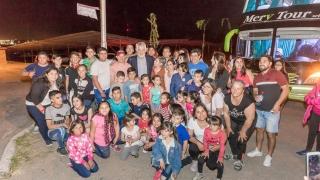 El gobernador despidió a alumnos de seis parajes que viajan a Buenos Aires para disfrutar del Teatro Colón