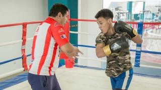 Axel Medina, un campeón de boxeo amateur que crece desde el Campus