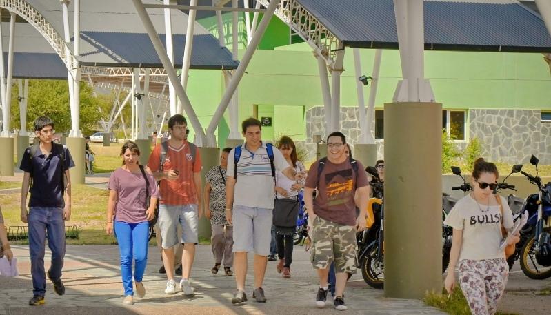 Sumate a los más de 1000 jóvenes que ya eligieron la ULP