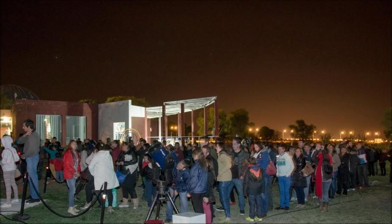 Alrededor de 1000 personas disfrutaron del fenómeno astronómico en el PALP