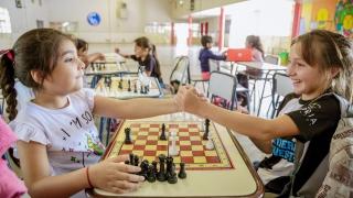 El ajedrez convocó a grandes y chicos durante un torneo en el barrio CGT