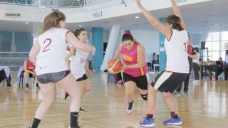 El básquet 3x3 pasó con éxito por el Campus