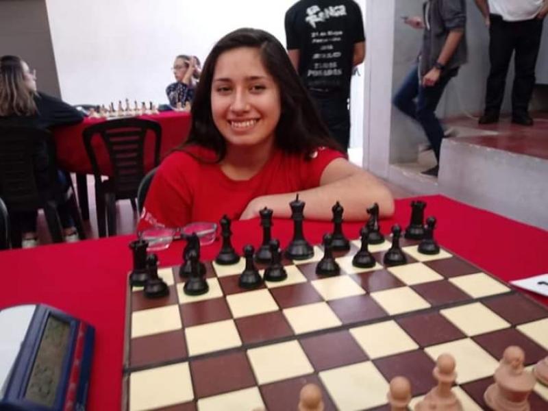 Una ajedrecista puntana se consagró en un concurso que fusiona arte y ajedrez