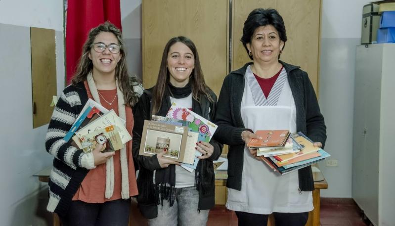 La ULP entregó más de 600 libros a escuelas y jardines de infantes de San Luis