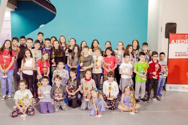 Las finales provinciales de ajedrez brillaron en el Campus de la ULP