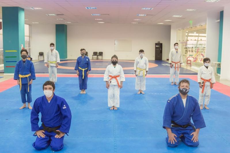El judo perfecciona su técnica en el Campus