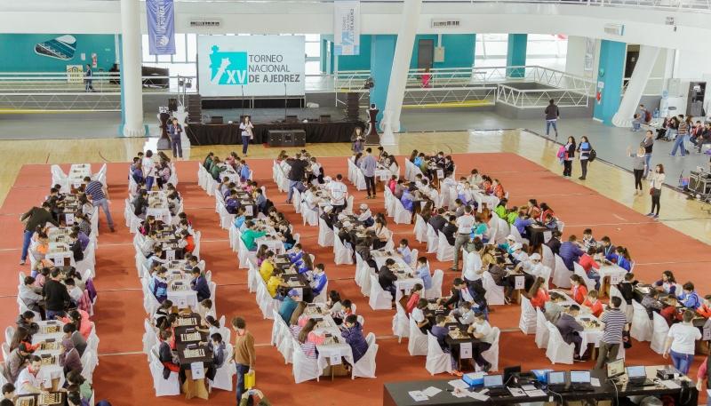 Con la presencia de 200 ajedrecistas de todo el país comenzó  el  XV Torneo Nacional Escolar en la ULP