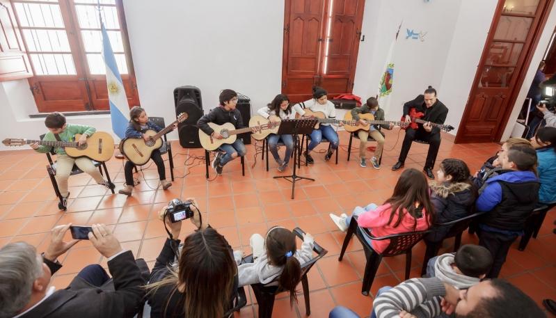 El ensamble junior hizo su debut en el Cabildo de La Punta