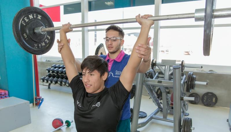 Continúa la capacitación en Levantamiento Olímpico