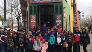 Alumnos de diferentes escuelas disfrutan de Buenos Aires y el Teatro Colón