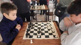 Juana Koslay se suma a la movida del ajedrez con una Escuela Municipal