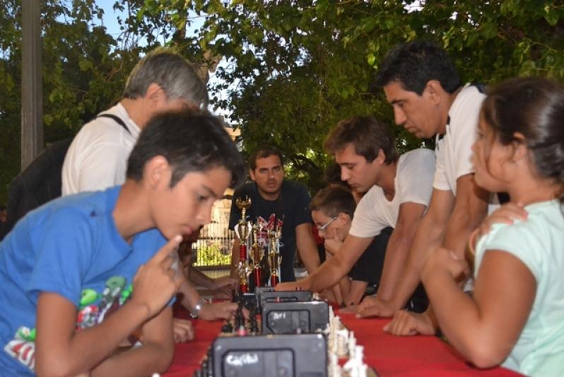 La Plaza Pringles fue sede del 2º Torneo de Ajedrez en Verano