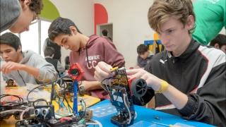 Los chicos de San Luis viven los sábados a pura robótica